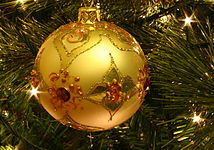 214px-Christmas_tree_bauble